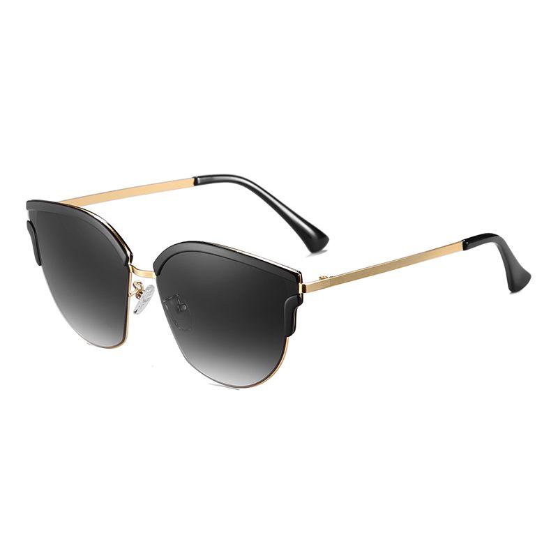 5b1258e448 Gafas de sol retros, para chica EMPORIO SPORT Collection